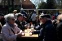 Zu einem Sonntagsklön beim Maibaumfest gehört natürlich auch ein Maibock